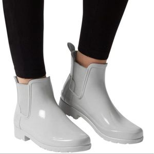 New Hunter Gray Refined Chelsea Boots